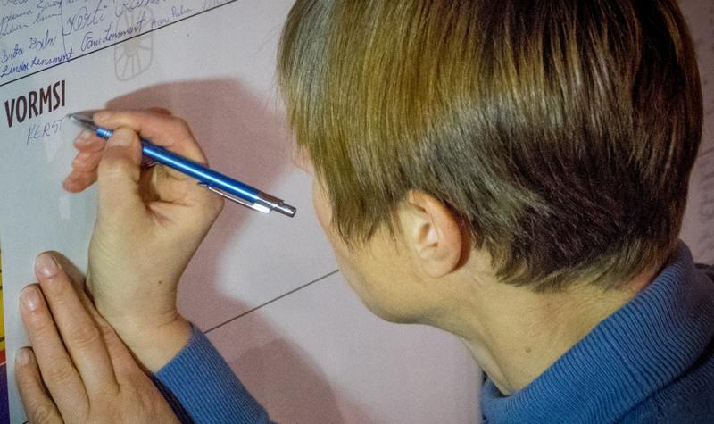 Сергей Зверев прокомментировал причёску президента Керсти Кальюлайд
