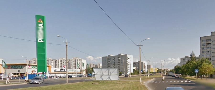 В Нарве водитель на внедорожнике сбил двух пешеходов